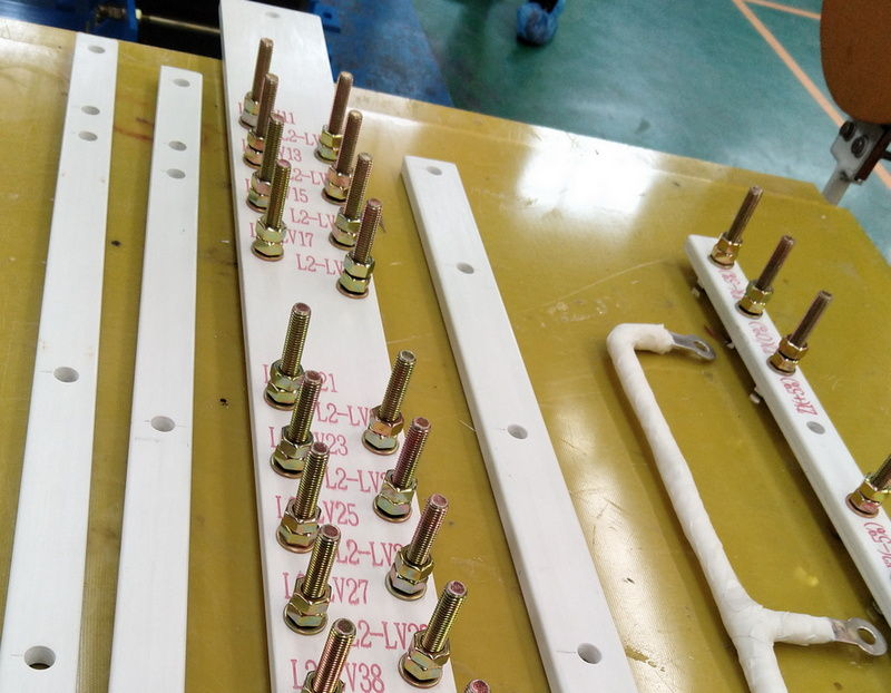 Polyester drawing bar for transformer