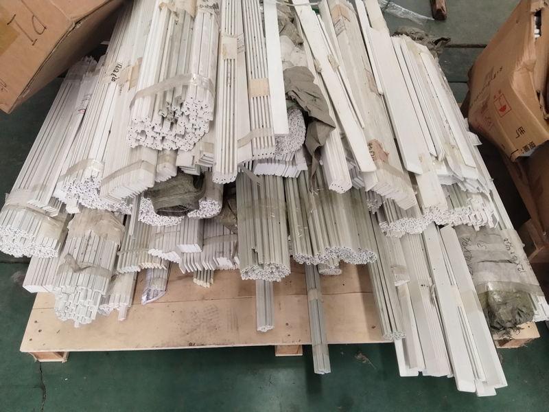 Polyester fiberglass rod