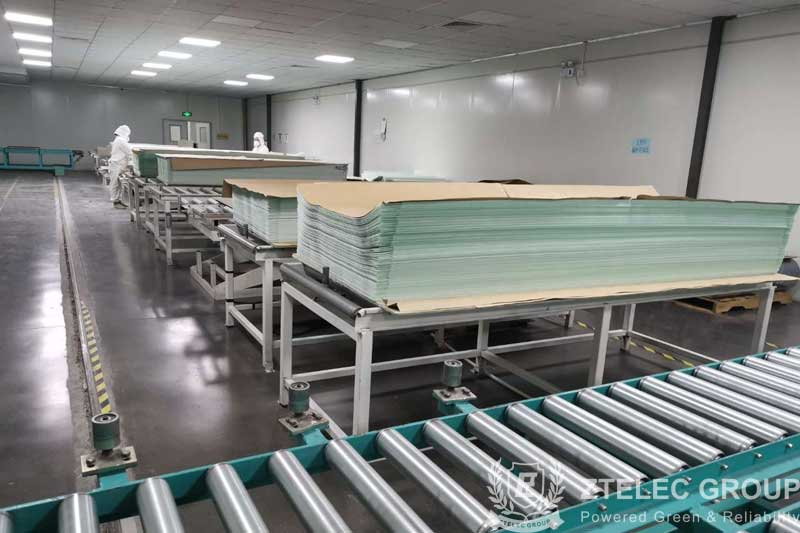 What is the difference between green epoxy sheet and yellow epoxy sheet?